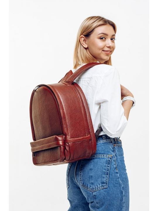 Маленький фоторюкзак из кожи